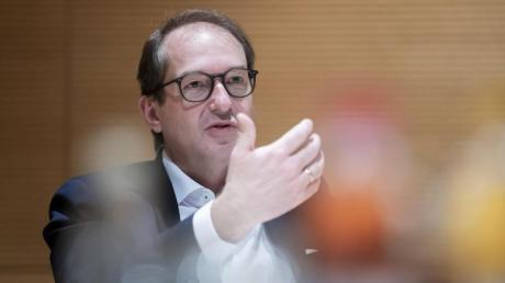 """""""Die Umfragen zeigen, dass wir noch erheblich Luft nach oben haben"""", sagt CSU-Landesgruppenchef Alexander Dobrindt."""