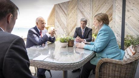 Am Rande des G7-Gipfels: Angela Merkel und Joe Biden im Gespräch.