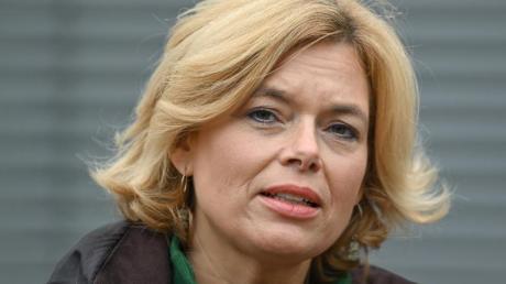 Bundeslandwirtschaftsministerin Julia Klöckner (CDU) hat schnelle Hilfe des Bundes für Hochwasser-Geschädigte angekündigt.