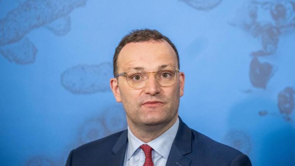 """""""Es gibt Spannungen - trotzdem hat die große Mehrheit der Bevölkerung zusammengehalten"""": Gesundheitsminister Jens Spahn."""