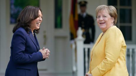 Zwei Frauen, die Geschichte schreiben: Angela Merkel ist die erste Bundeskanzlerin Deutschlands, Kamala Harris, die erste Vizepräsidentin der USA.