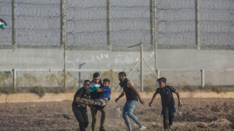 Schon seit mehrerenTagen gibt es am Gaza-Grenzzaun Zusammenstöße zwischen Palästinensern und der israelischen Armee.