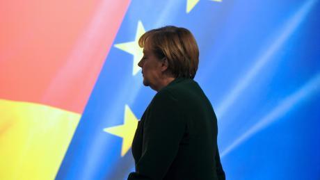 Auch wenn Angela Merkel zum Abschied viel Lob aus der EU hört, ist ihre politische Götterdämmerung in Brüssel längst unübersehbar.
