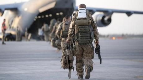 Bundeswehr-Soldaten beim Abzug aus Afghanistan. Was bleibt nach 20 Jahren Militäreinsatz?.