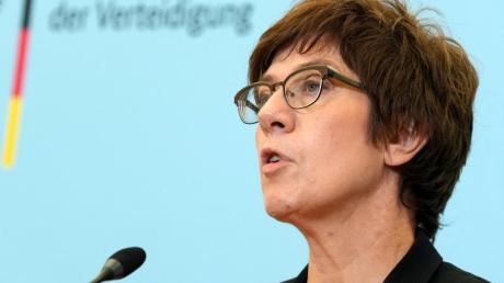 Annegret Kramp-Karrenbauer (CDU), Bundesministerin der Verteidigung.