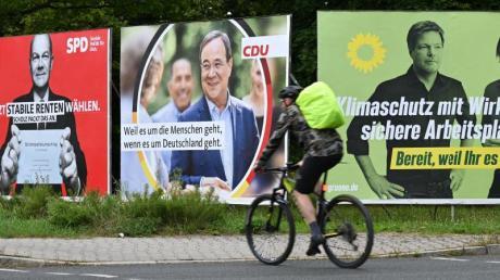 Wahlplakate vonSPD,CDUund Grünen.