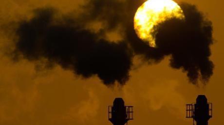 Experten sind sich einig, dass sich bis 2030 weltweit viel mehr tun muss, wenn die Erderwärmung deutlich unter zwei Grad bleiben soll.