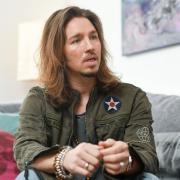 Der Sänger Gil Ofarim hat von antisemitischer Diskriminierung in einem Leipziger Hotel berichtet.