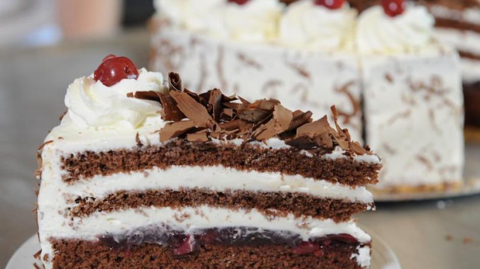 Tourismus Luxemburg Kuchen Essen Mit Messer Und Gabel Reise