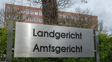 Das Landgericht Landshut hat zwei Angeklagte wegen schwerem sexuellem Missbrauch verurteilt.