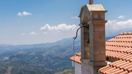 Alltours bietet im Sommer 2018 mehr Hotels auf Kreta an. Foto: PhilippLaage/dpa-tmn