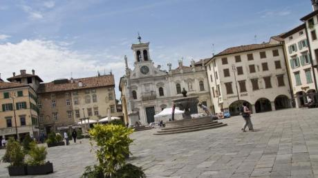 Piazza San Giacomo in Udine:Dass man hier nicht in Österreich, sondern in Italien ist, merkt der Reisende schnell. Foto: Fabrice Gallina/PromoTurismo FVG
