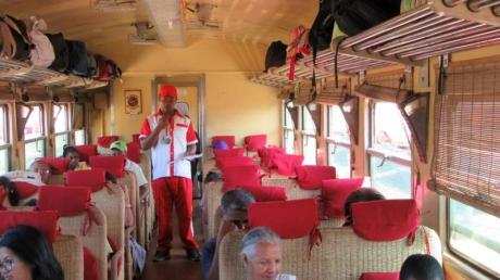 Reisen in der 1. Klasse: Die Sitze erinnern an breite Korbsessel. Foto: Bernd Kubisch