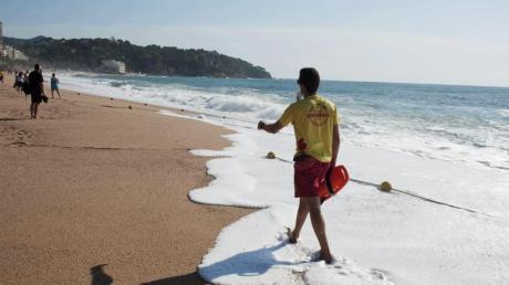 An der spanischen Mittelmeerküste finden Urlauber Wassertemperaturen von über 21 Grad vor. Foto: Robin Townsend