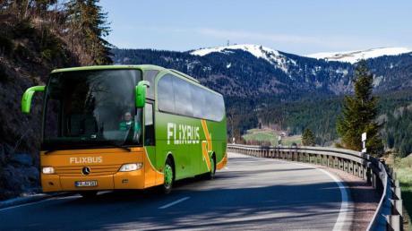 Mit Flixbus lassen sich von Augsburg aus viele große europäische Städte direkt erreichen. Die Konkurrenz von Eurolines fährt sogar bis ans Schwarze Meer.