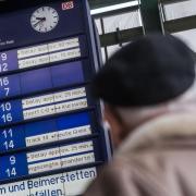 Verspätete Züge ärgern Bahnreisende immer wieder. Oft stehen ihnen aber Entschädigungen zu. Foto:Lino Mirgeler