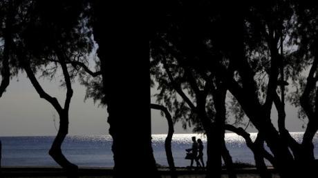 An der Küste der Mittelmeerinsel Zypern erreicht das Wasser Temperaturen von bis zu 23 Grad. Foto: Petros Karadjias