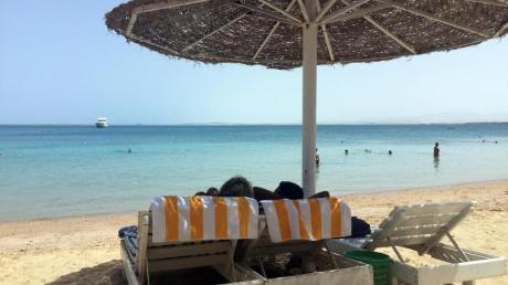 In Hurghada erreicht das Wasser 26 Grad. Foto: Benno Schwinghammer/Archiv