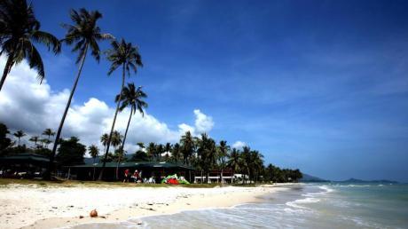 In Thailand können Reisende kurz vor Weihnachten ins Meer tauchen. Die Wassertemperaturen liegen dort bei 29 Grad. Foto: Tolga Bozoglu