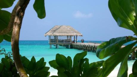 Mit seinen 29 Grad ist das Wasser auf den Malediven sehr verlockend. Foto: Aliki Nassoufis