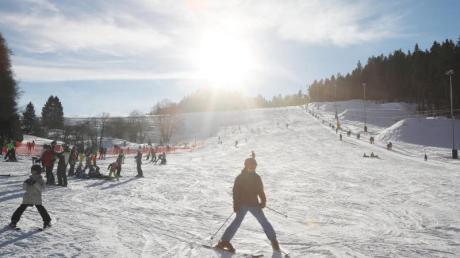 Nicht nur in den Alpen, auch in den deutschen Mittelgebirgen lässt es sich derzeit gut Ski laufen.