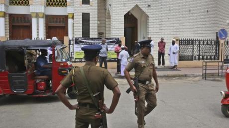 Das Auswärtige Amt warnt vor weiteren Anschlägen auf Sri Lanka. Tui organisiert daher für seine Kunden die Rückreise. Foto: Manish Swarup/AP