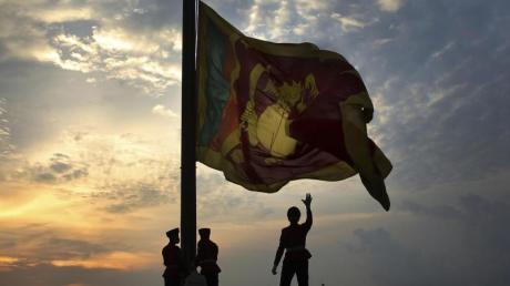Eine Woche nach den Anschlägen ist die Sicherheitslage in Sri Lanka immer noch angespannt. Das Auswärtige Amt rät von Reisen dorthin ab.