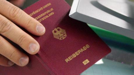 Ausweisangelegenheiten müssen Obermeitinger künftig in Igling erledigen.