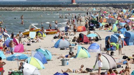 Warum in die Ferne streifen? Urlaub an Nord- und Ostsee bleibt bei den Deutschen beliebt. Foto: Bernd Wüstneck
