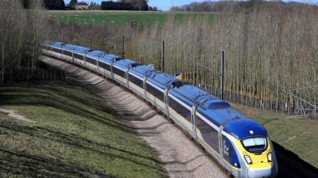 Der Eurostar nahm wenige Monate nach der Eröffnung des Eurotunnels den Betrieb auf. Foto: Gareth Fuller/PA Wire/dpa