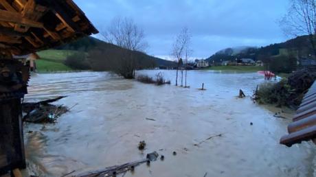 Land unter in Österreich: Starke Regenfälle sorgten etwa in St. Veit an der Glan für extremes Hochwasser.
