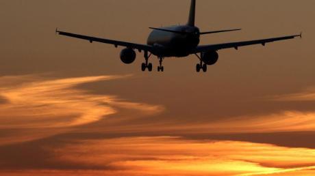 Aus Sicherheitsgründen fliegen viele Airlines derzeit nicht über Iran und Irak.