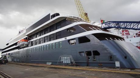 Unfertiges Schiff: Die «World Explorer» von Nicko Cruises Anfang April in der Werft in Portugal - die Auslieferung verzögerte sich, Reisen mussten abgesagt werden.