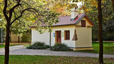 Das historische Badehäuschen im Stadtgarten von Bad Wörishofen wurde 1890 auf Anweisung des Pfarrers Sebastian Kneipp errichtet.