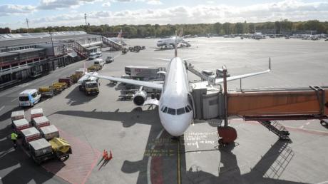 Die Flugreise soll in Berlin starten, doch dann geht es von Leipzig los - bei einer Pauschalreise ist dies ein Reisemangel.