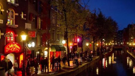 Rotlichtviertel inAmsterdam:Grölende Junggesellen-Touren sind dort nicht mehr erlaubt.