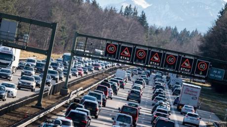Rückkehrer aus dem Skiurlaub sorgen am kommenden Wochenenden unter Umständen für volle Autobahnen in Süddeutschland.