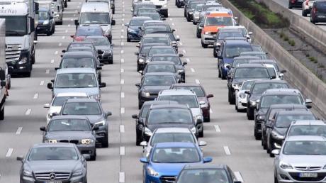 Die Experten erwarten für das Wochenende eine ruhige Lage. Mit stockendem Verkehr ist aufgrund von Baustellen zu rechnen.