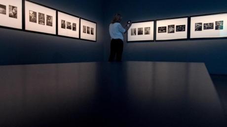 «Karl Lagerfeld. Fotografie. Die Retrospektive» startete im Kunstmuseum Moritzburg in Halle am vergangenen Sonntag.