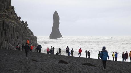 Bei der Einreise nach Island können sich Besucher zwischen einer zweiwöchigen Quarantäne und einem Corona-Test entscheiden.