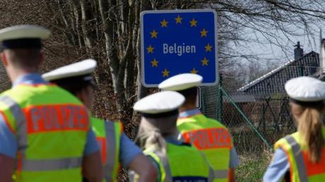 Die Kontrollen an den deutschen Grenzen sollen schrittweise gelockert werden.