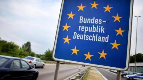Nordrhein-Westfalen machte den Anfang und hob die Quarantäne-Vorschrift für Rückkehrer aus den europäischen Nachbarstaaten auf. Nun soll es eine bundesweit einheitliche Regelung geben.
