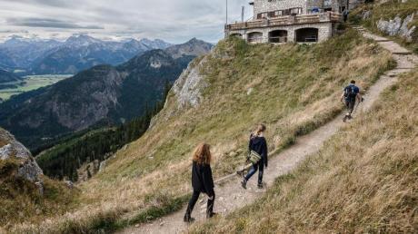Das erste Wochenende der bayerischen Schulherbstferien ist zugleich das letzte vor Beginn derdrastischen Corona-Einschränkungen ab Montag in Deutschland.