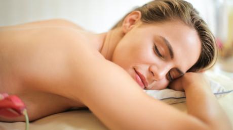 In den Johannesbad Hotels lässt es sich herrlich entspannen und man kann den Stress hinter sich lassen.