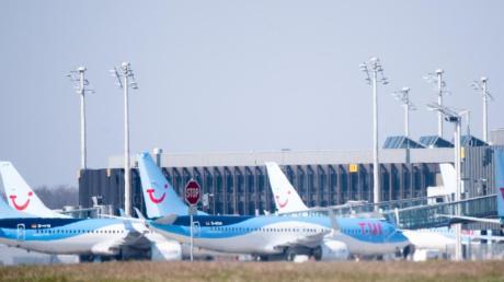 Der Reisekonzern Tui will die Flotte des Ferienfliegers Tuifly wegen der Corona-Krise halbieren.