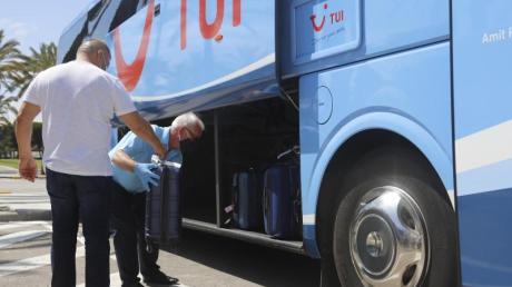 Nach wochenlanger Corona-Pause ist inzwischen wieder eine Maschine mit Urlaubern aus Deutschland in Mallorca gelandet.