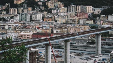 Die neue Brücke in Genua wurde von dem italienischen Stararchitekten Renzo Piano entworfen.