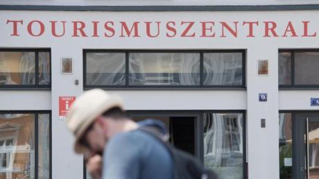 Mecklenburg-Vorpommern, Schleswig-Holstein und Niedersachsen haben ein Beherbergungsverbot für Menschen aus Corona-Risikogebieten festgelegt.