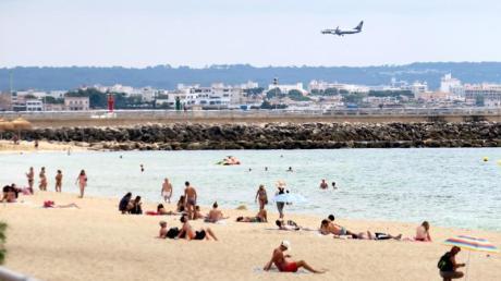 Spanien-Urlauber müssen sich vor der Reise online registrieren.