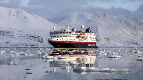 Kurs Nord: Hurtigruten will zum Ende des Sommers hin wieder mit mehr als einem Dutzend Schiffen entlang der norwegischen Küste und in der Arktis fahren.